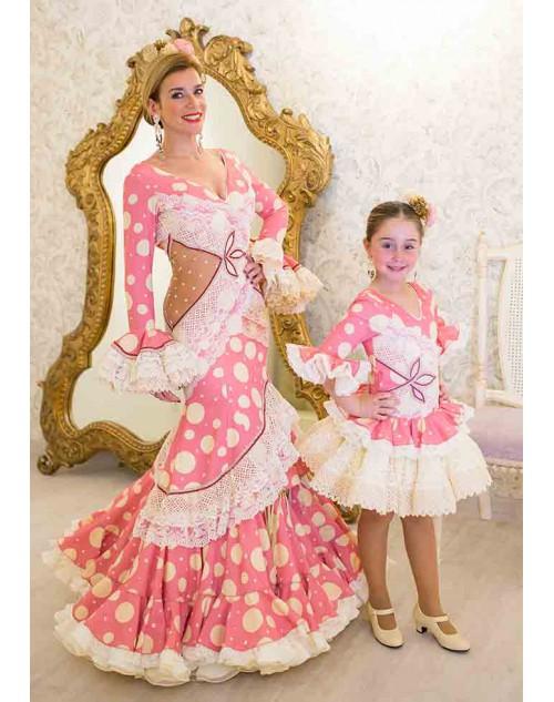 c25fbc50e5 Os presentamos la nueva colección de trajes de flamenca Teressa Ninú 2019.  La firma Teressa Ninú